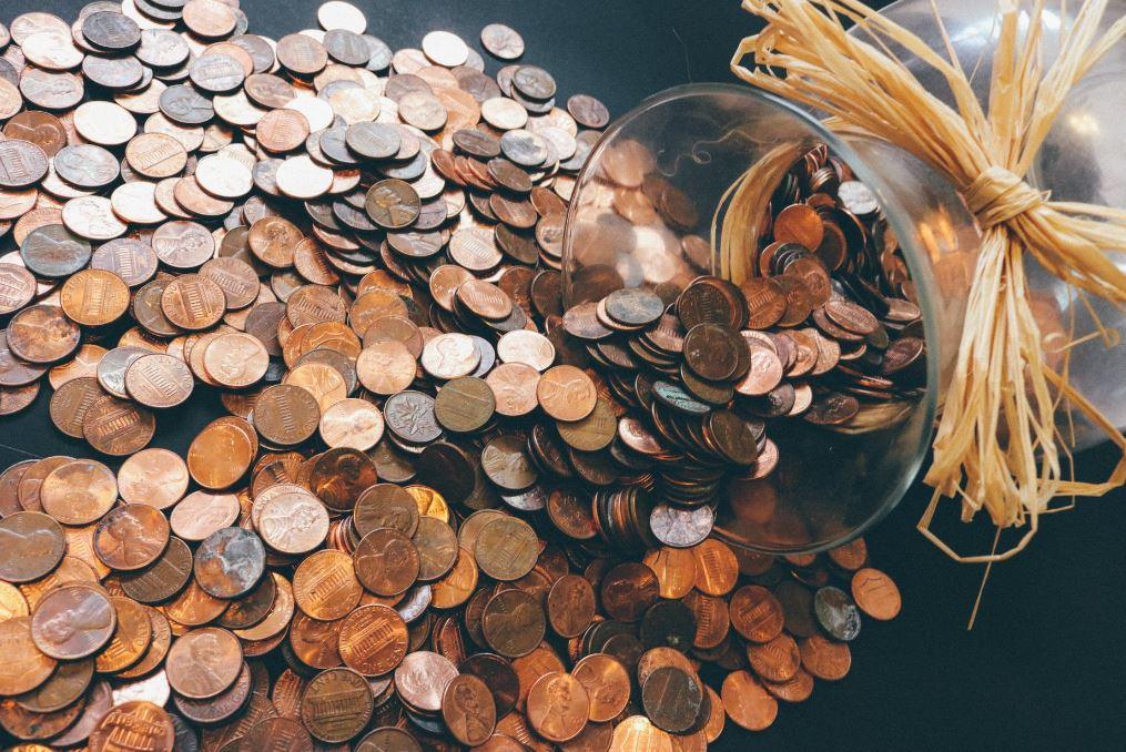 Dlaczego niektórzy ludzie prawie zawsze zarabiają pieniądze, a inni tylko je tracą?